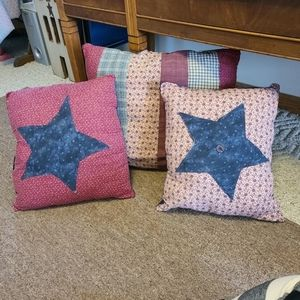 Primitive pillows